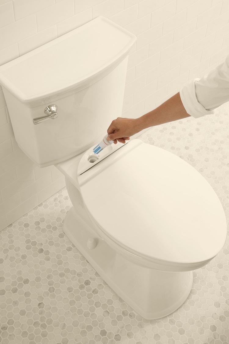 VorMax Plus self-cleaning toilet from American Standard.