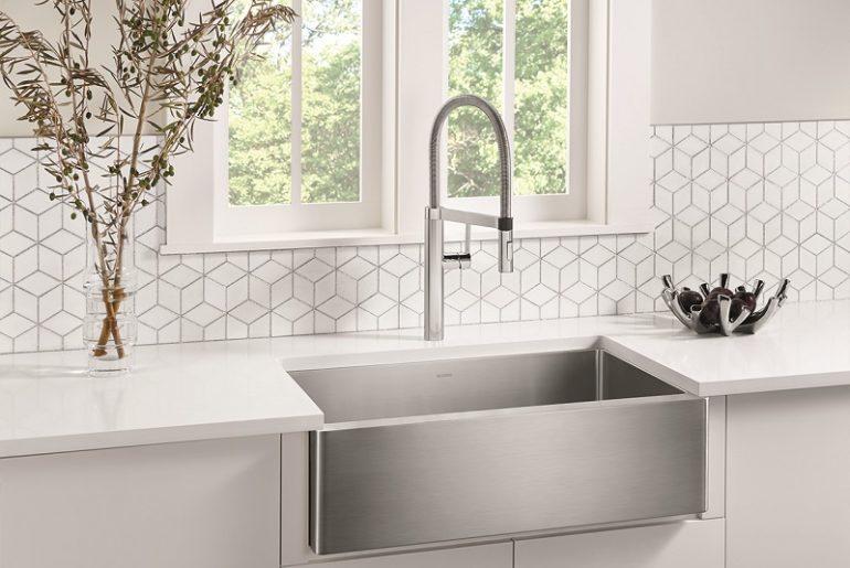 QUATRUS™ R15 U Super Single - large single bowl kitchen sink
